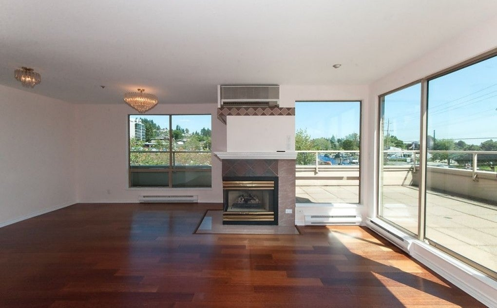 #201 - 215 14th Street, West Vancouver - Ambleside Apartment/Condo for sale, 2 Bedrooms (V1131597) #2