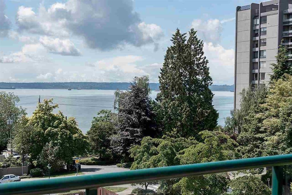 303 - 1896 Marine Dr, West Vancouver - Ambleside Apartment/Condo for sale, 2 Bedrooms (R2082222) #2