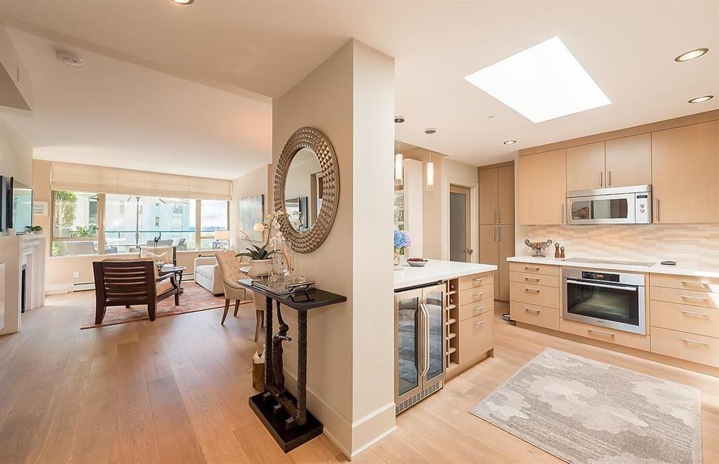 303 - 1896 Marine Dr, West Vancouver - Ambleside Apartment/Condo for sale, 2 Bedrooms (R2082222) #3