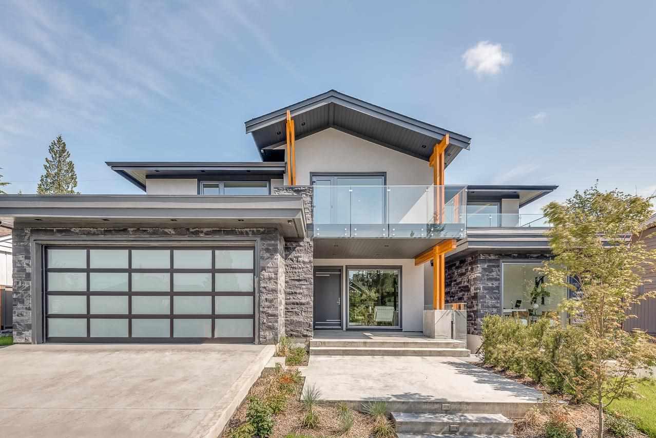 920 MELBOURNE AVENUE - Edgemont House/Single Family for sale, 6 Bedrooms (R2585297) #1