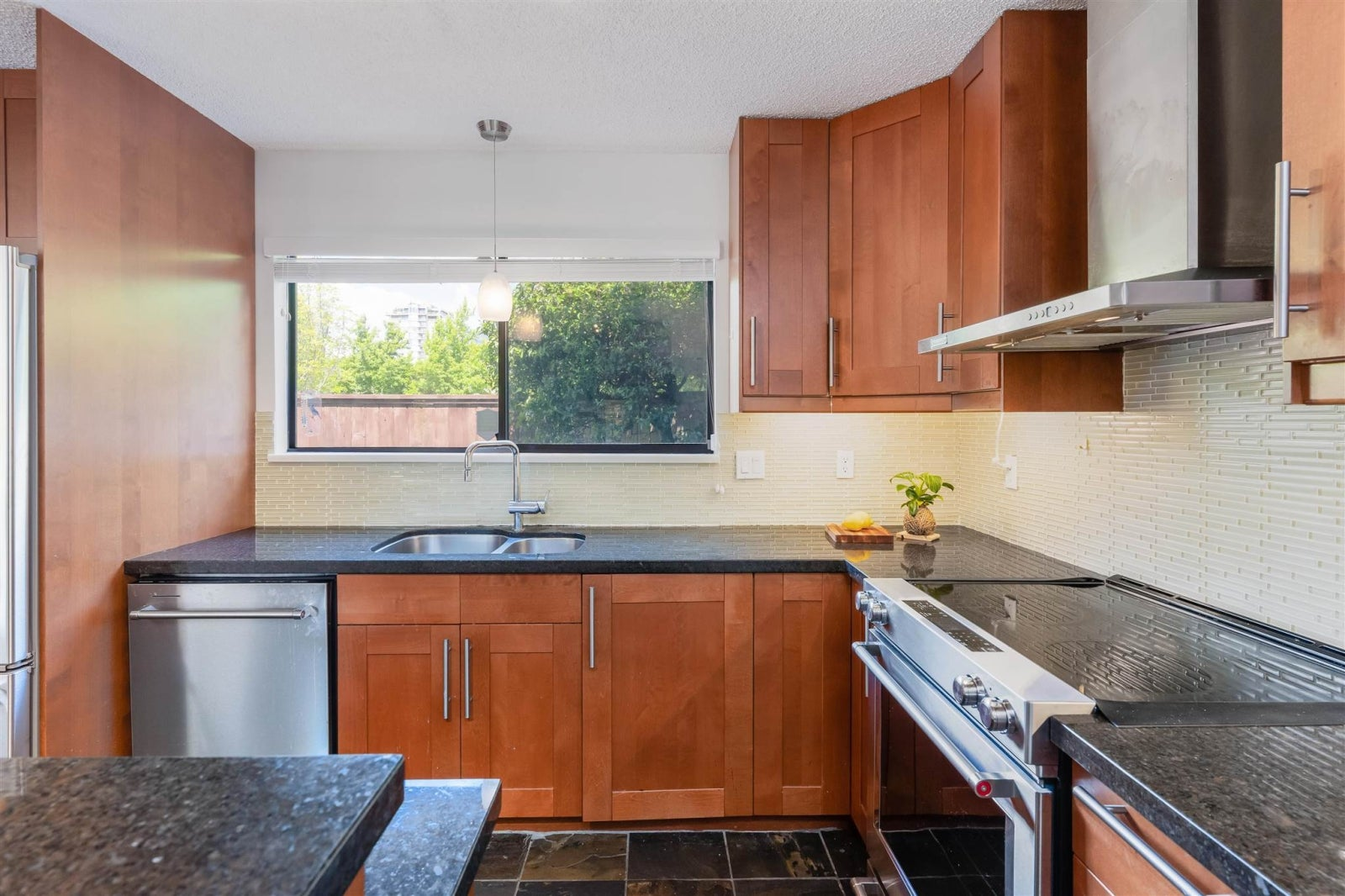 4 226 E 10TH STREET - Central Lonsdale Townhouse for sale, 3 Bedrooms (R2596161) #11