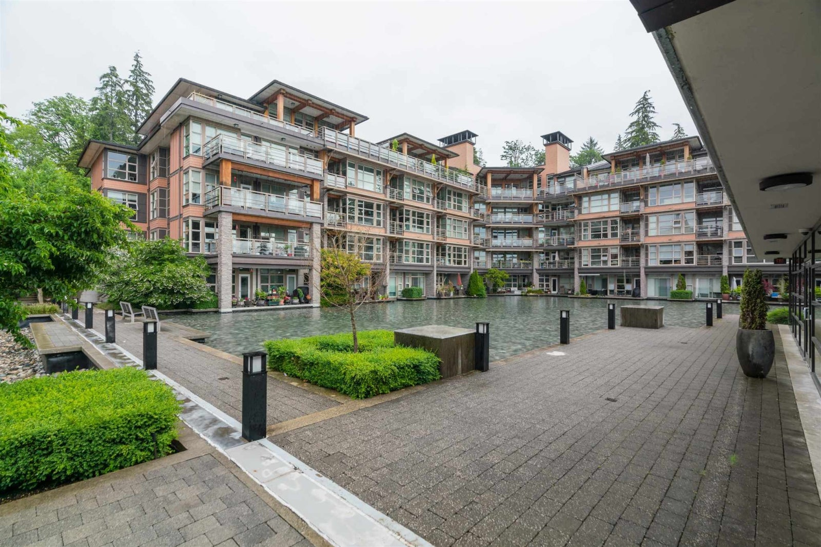 222 3602 ALDERCREST DRIVE - Roche Point Apartment/Condo for sale, 2 Bedrooms (R2603975) #1