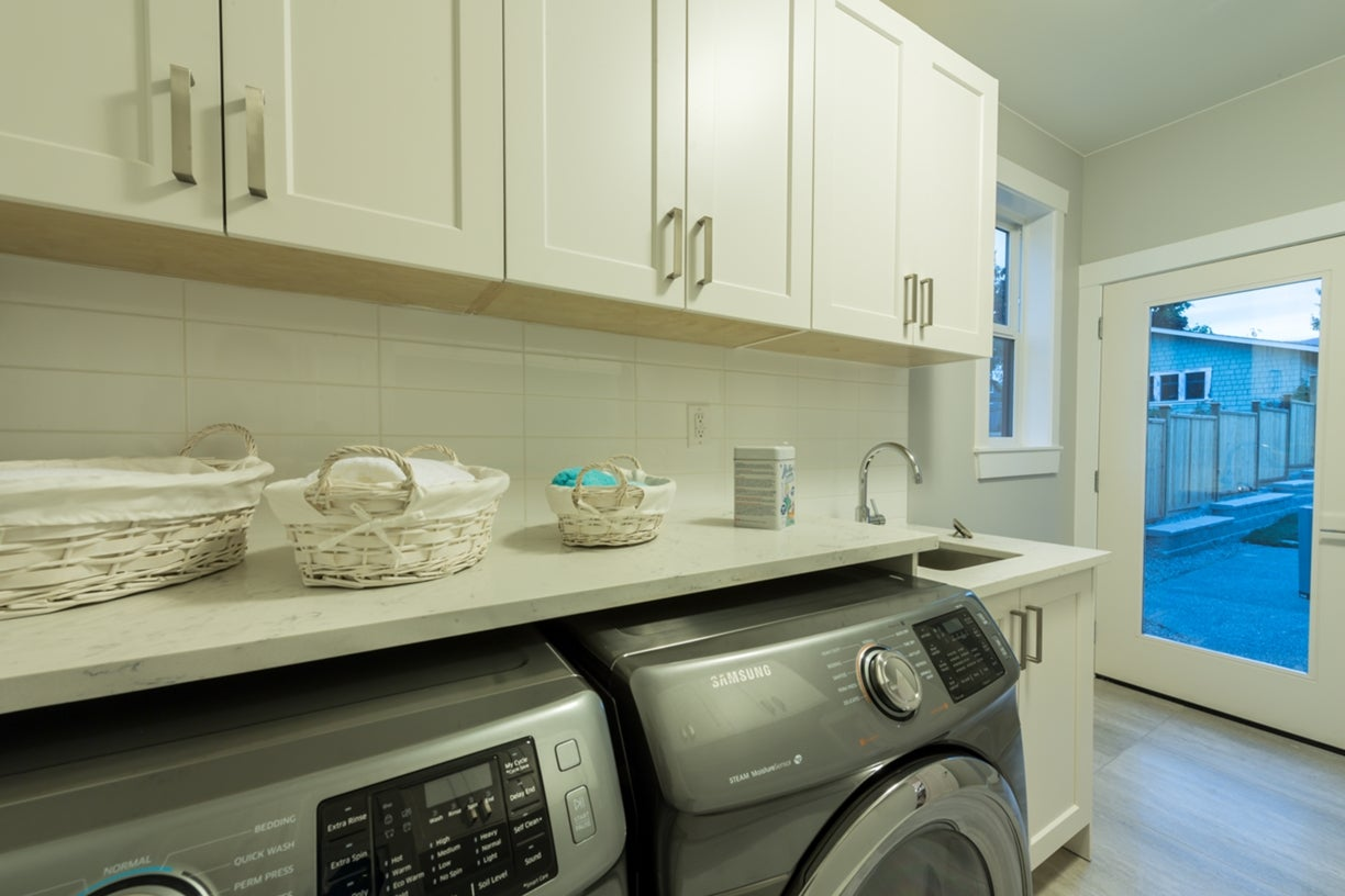 772 East 8th Street - Boulevard House/Single Family for sale, 6 Bedrooms  #18