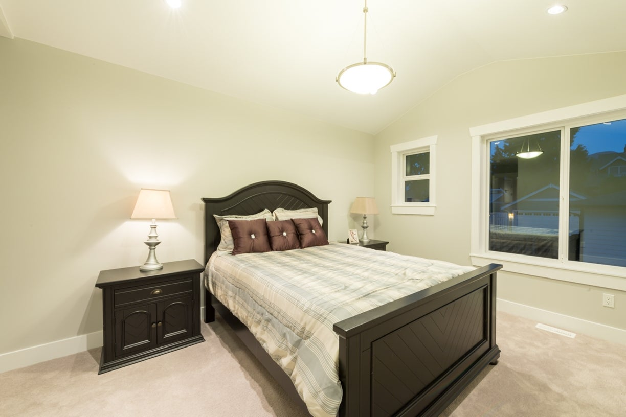 772 East 8th Street - Boulevard House/Single Family for sale, 6 Bedrooms  #17
