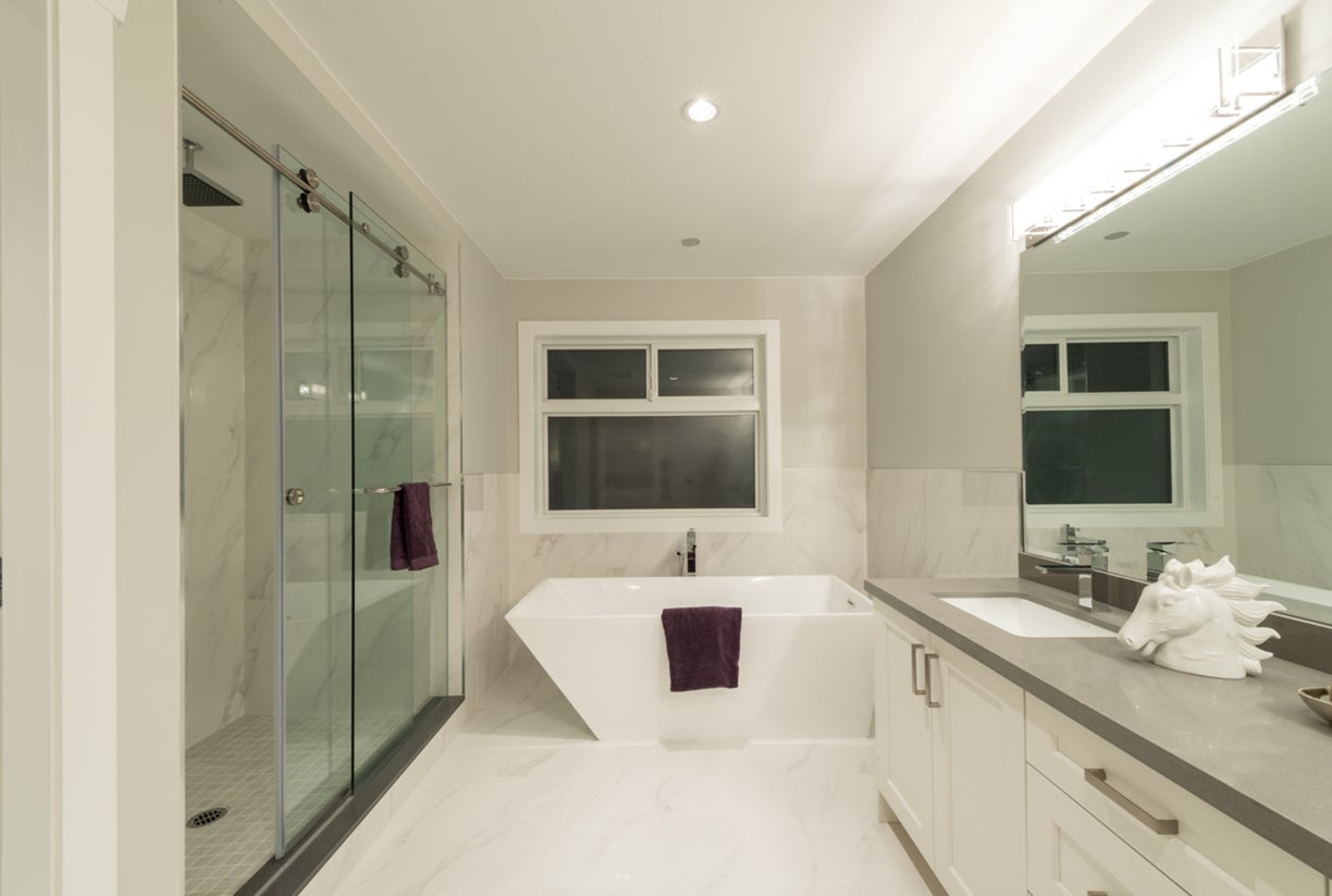 772 East 8th Street - Boulevard House/Single Family for sale, 6 Bedrooms  #16