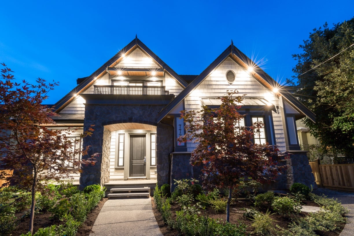 772 East 8th Street - Boulevard House/Single Family for sale, 6 Bedrooms  #20