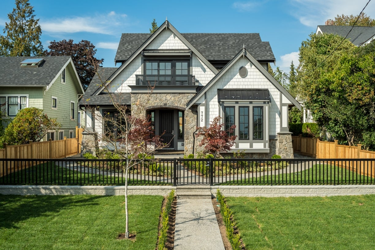772 East 8th Street - Boulevard House/Single Family for sale, 6 Bedrooms  #22