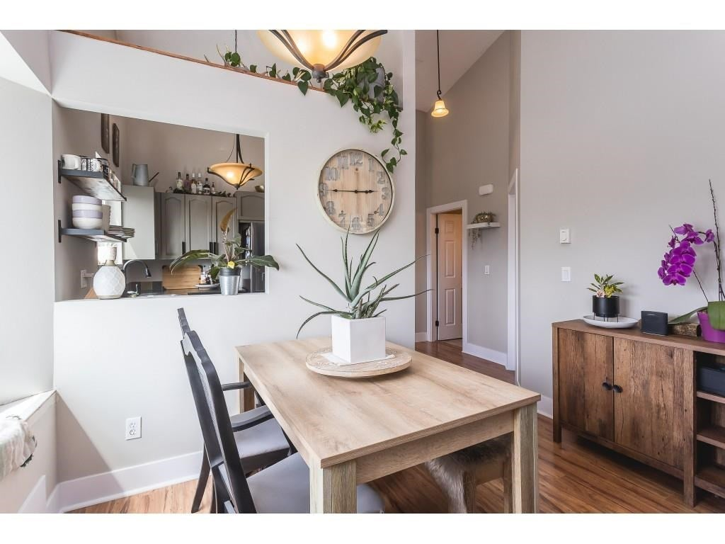 301 11726 225 STREET - East Central Apartment/Condo for sale, 2 Bedrooms (R2592184) #11