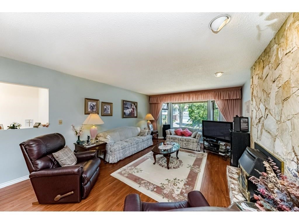 8519 152A STREET - Fleetwood Tynehead House/Single Family for sale, 5 Bedrooms (R2605484) #9