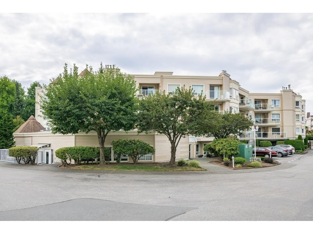 303 9295 122 STREET - Queen Mary Park Surrey Apartment/Condo for sale, 2 Bedrooms (R2613341) #1