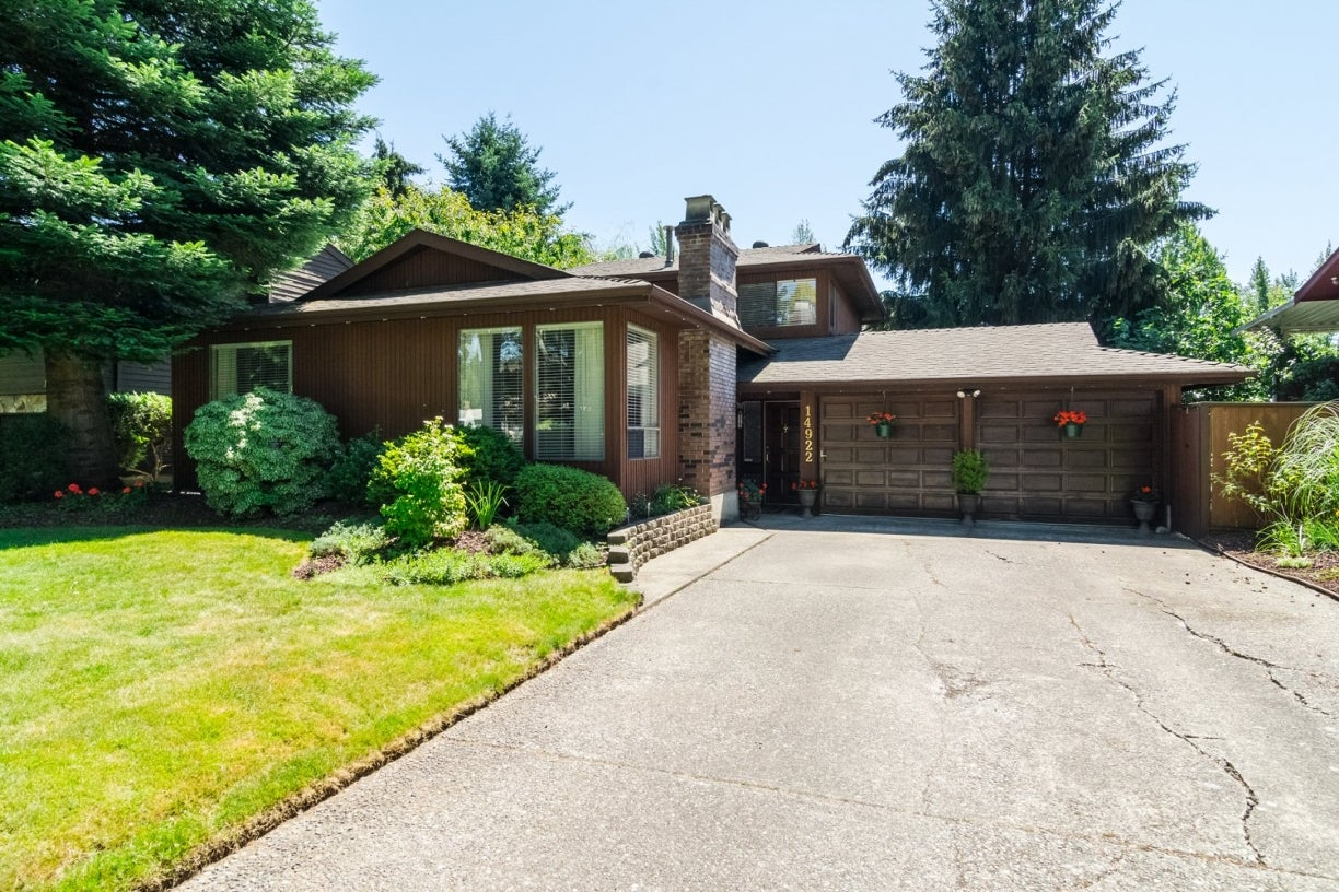 14922 94 Avenue - Fleetwood Tynehead House/Single Family for sale, 3 Bedrooms (R2096868) #1