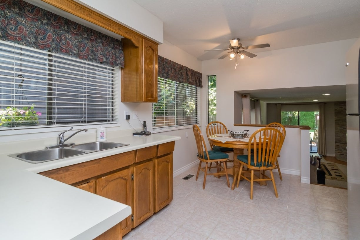 14922 94 Avenue - Fleetwood Tynehead House/Single Family for sale, 3 Bedrooms (R2096868) #14