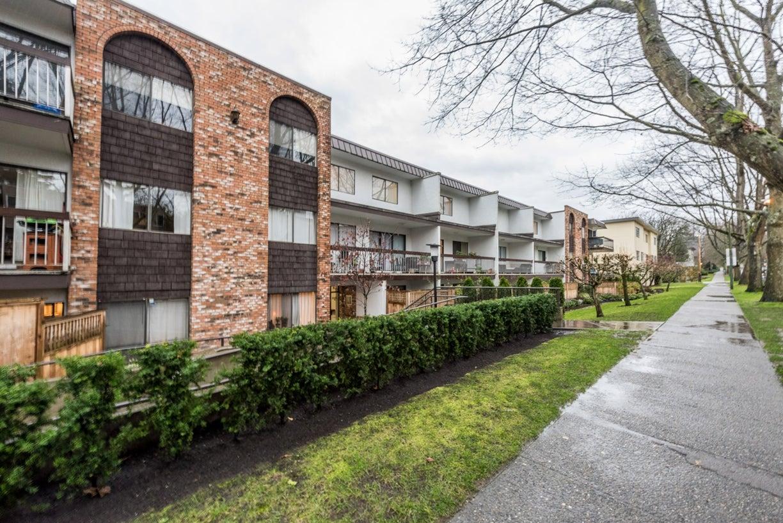 201 345 W 10 AVENUE - Mount Pleasant VW Apartment/Condo for sale, 2 Bedrooms (R2124870) #1