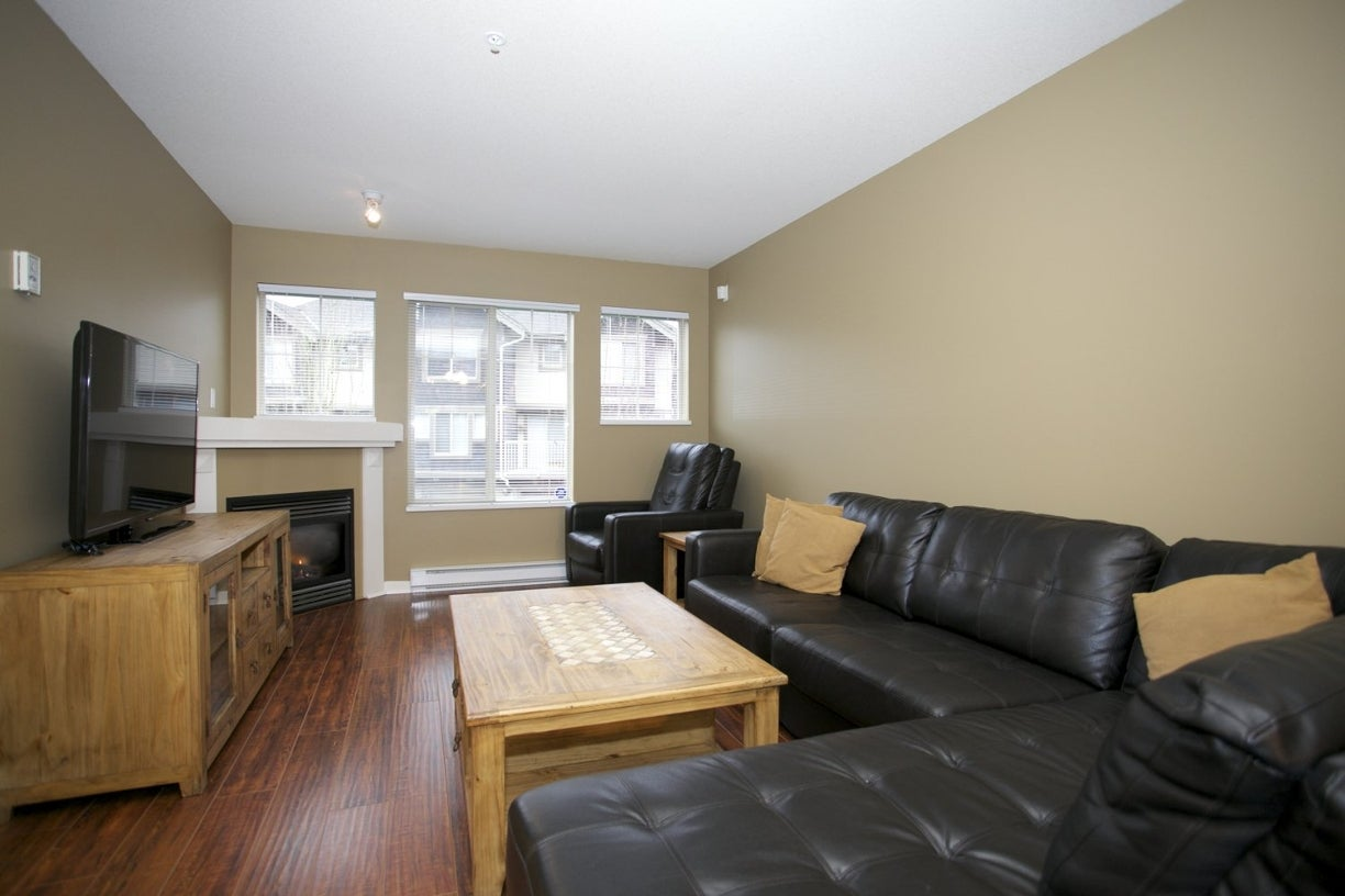43 20761 Duncan Way - Langley City Townhouse for sale, 3 Bedrooms (R2019342) #4
