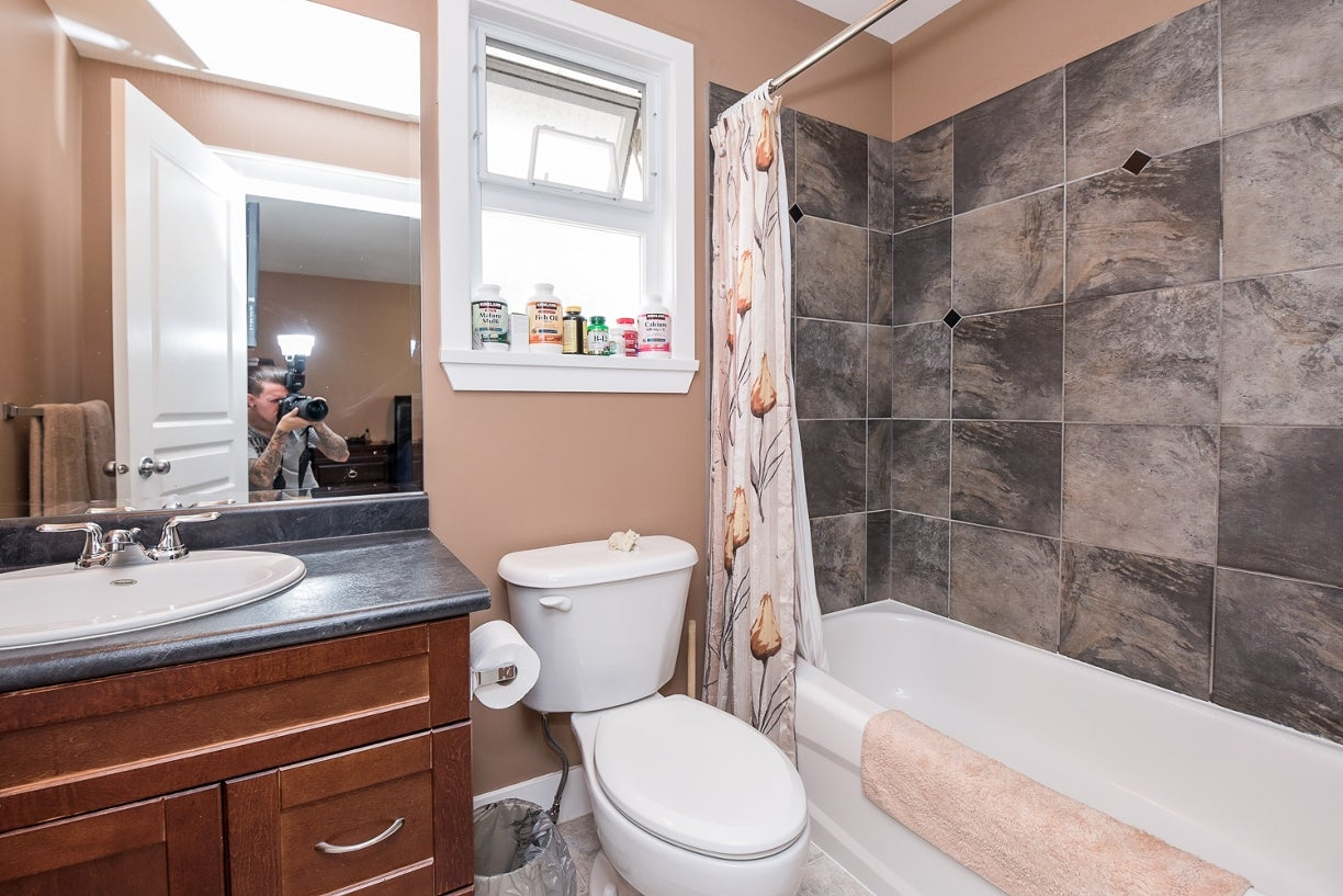 19091 69a Avenue - Clayton House/Single Family for sale, 4 Bedrooms (R2101076) #17