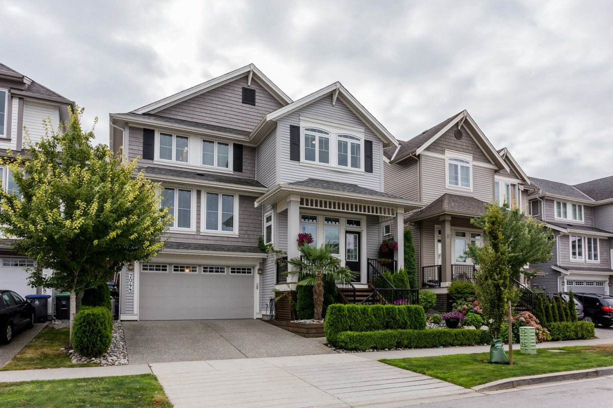 7044 177a Street - Cloverdale BC House/Single Family for sale, 4 Bedrooms (R2102834) #2