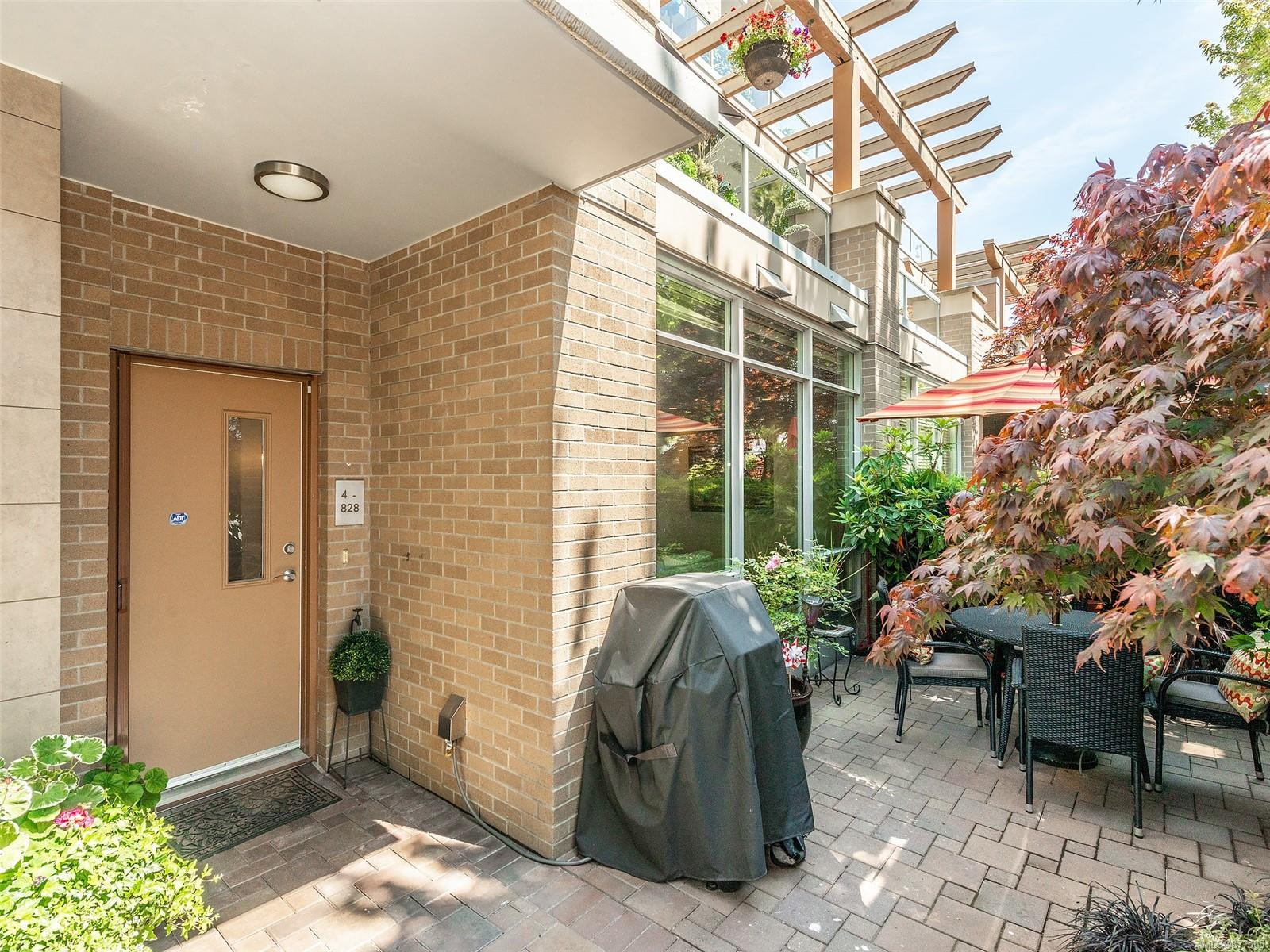 4 828 Rupert Terr - Vi Downtown Row/Townhouse for sale, 2 Bedrooms (877505) #32