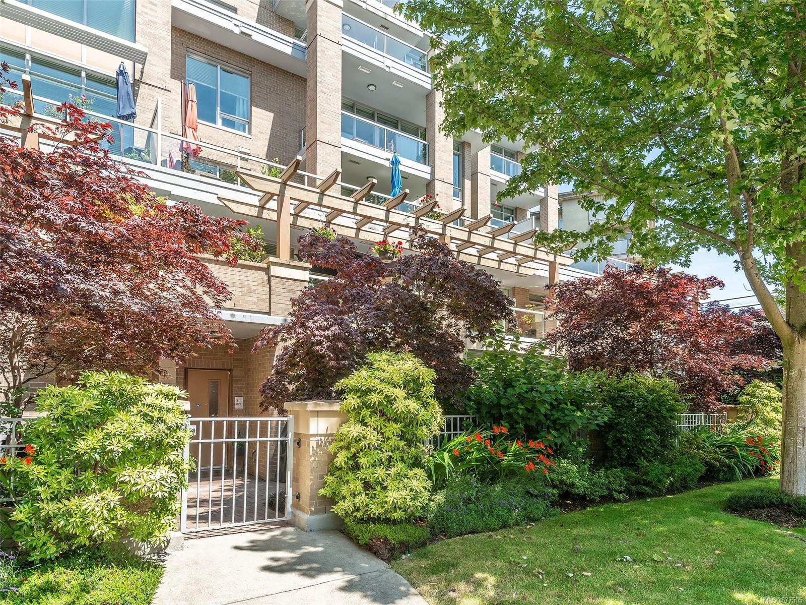 4 828 Rupert Terr - Vi Downtown Row/Townhouse for sale, 2 Bedrooms (877505) #33