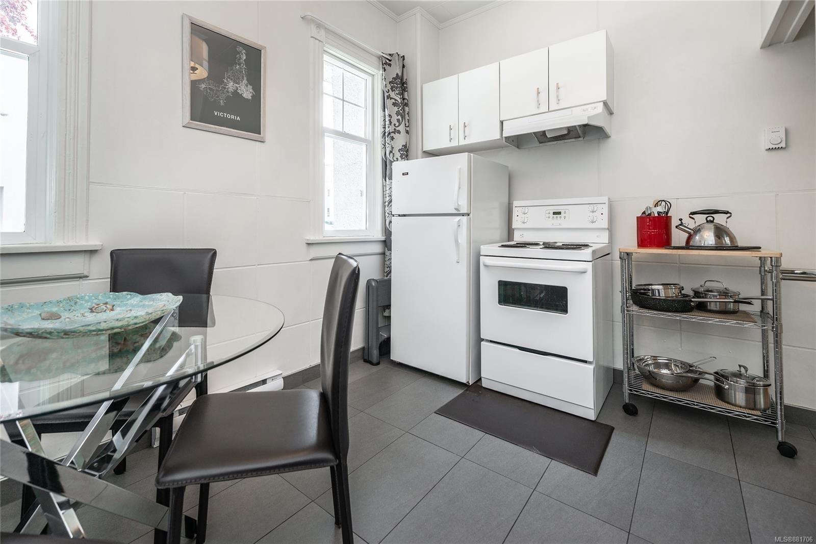 1150 Pandora Ave - Vi Downtown Triplex for sale, 4 Bedrooms (881706) #19
