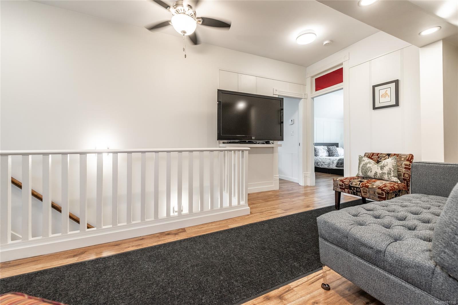 1150 Pandora Ave - Vi Downtown Triplex for sale, 4 Bedrooms (881706) #22