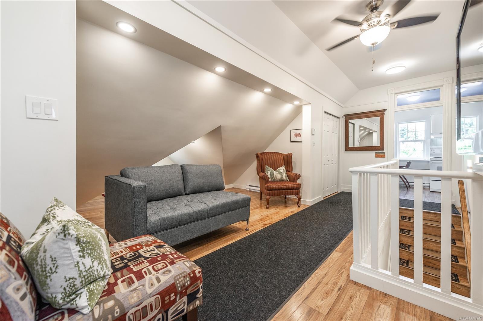 1150 Pandora Ave - Vi Downtown Triplex for sale, 4 Bedrooms (881706) #24