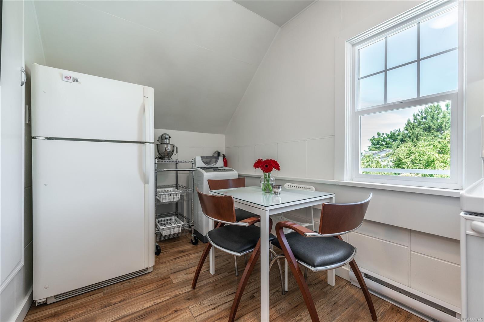 1150 Pandora Ave - Vi Downtown Triplex for sale, 4 Bedrooms (881706) #29
