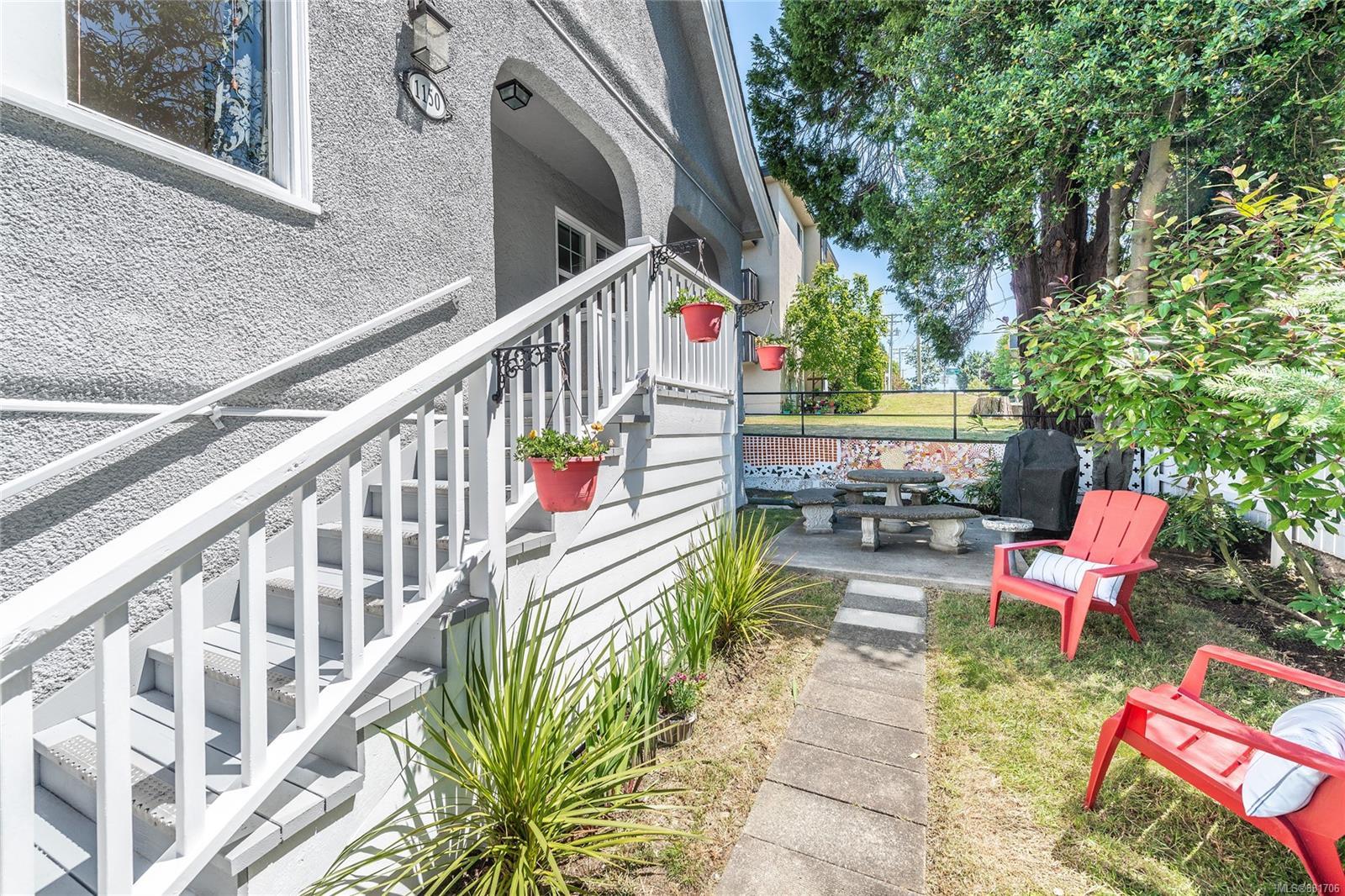 1150 Pandora Ave - Vi Downtown Triplex for sale, 4 Bedrooms (881706) #33