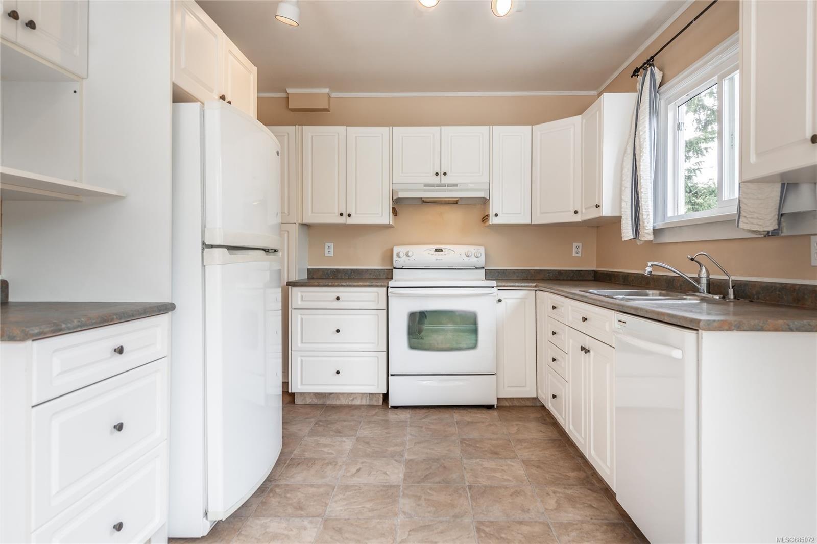 1212 Oxford St - Vi Fairfield East Half Duplex for sale, 4 Bedrooms (885072) #6