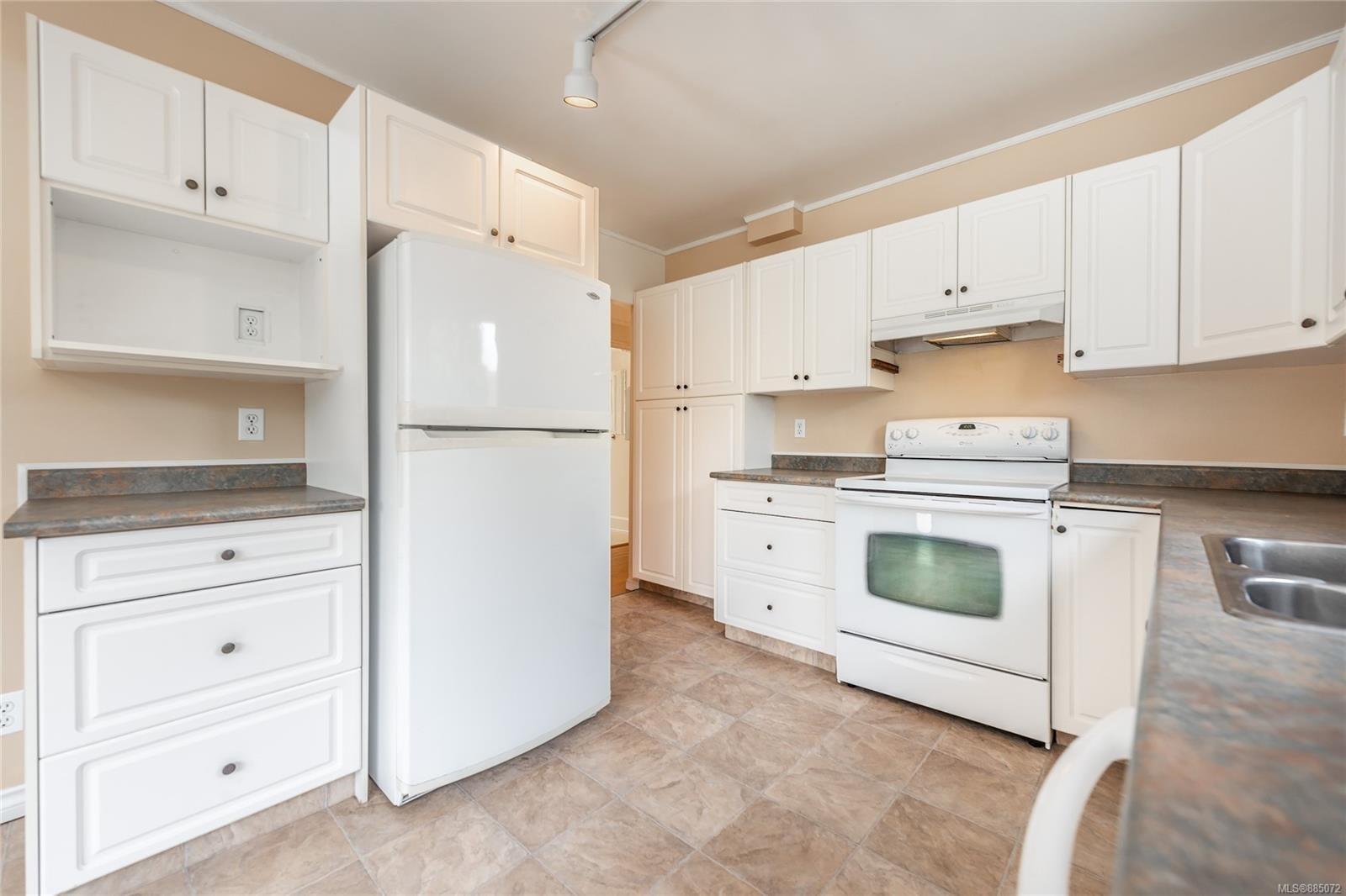 1212 Oxford St - Vi Fairfield East Half Duplex for sale, 4 Bedrooms (885072) #7