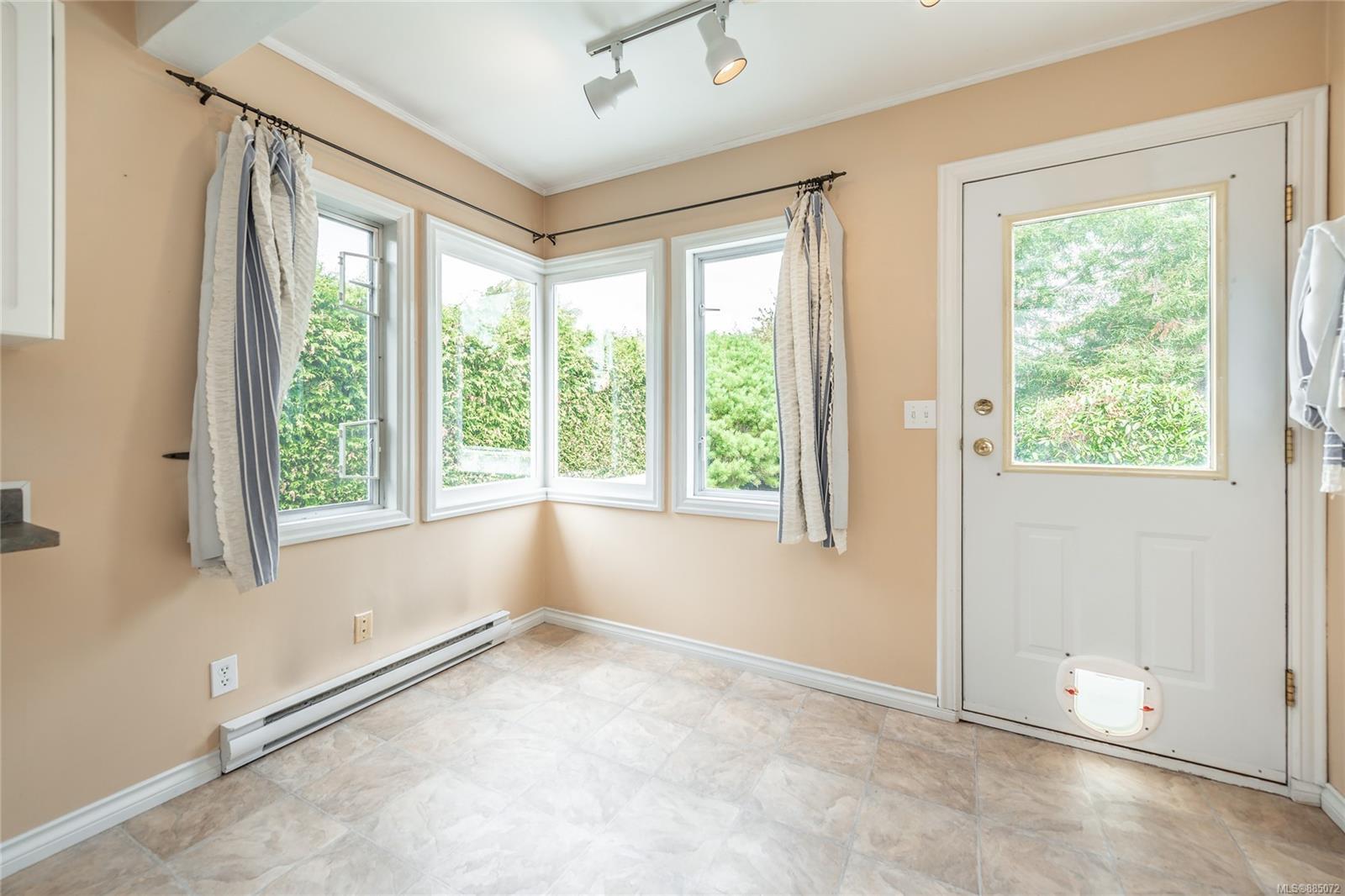 1212 Oxford St - Vi Fairfield East Half Duplex for sale, 4 Bedrooms (885072) #8