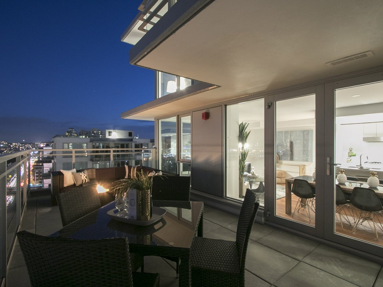 PENTHOUSE 8 - 188 Keefer Street - Mount Pleasant VE Apartment/Condo for sale, 2 Bedrooms  #8
