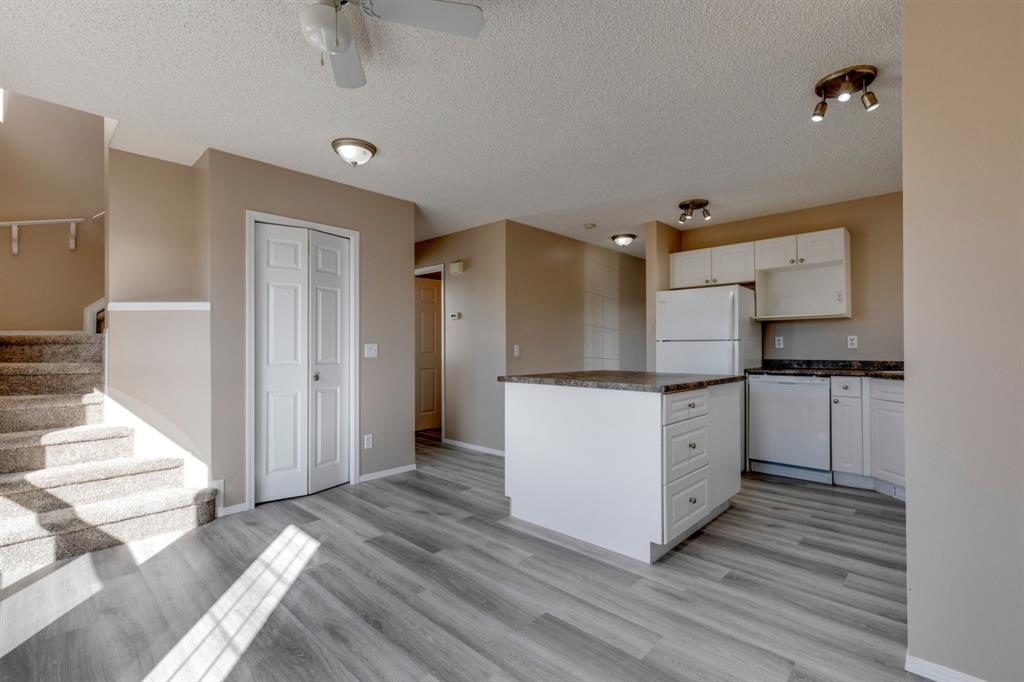 107 Crystal Shores Grove - Crystal Shores Detached for sale, 4 Bedrooms (A1152326) #6