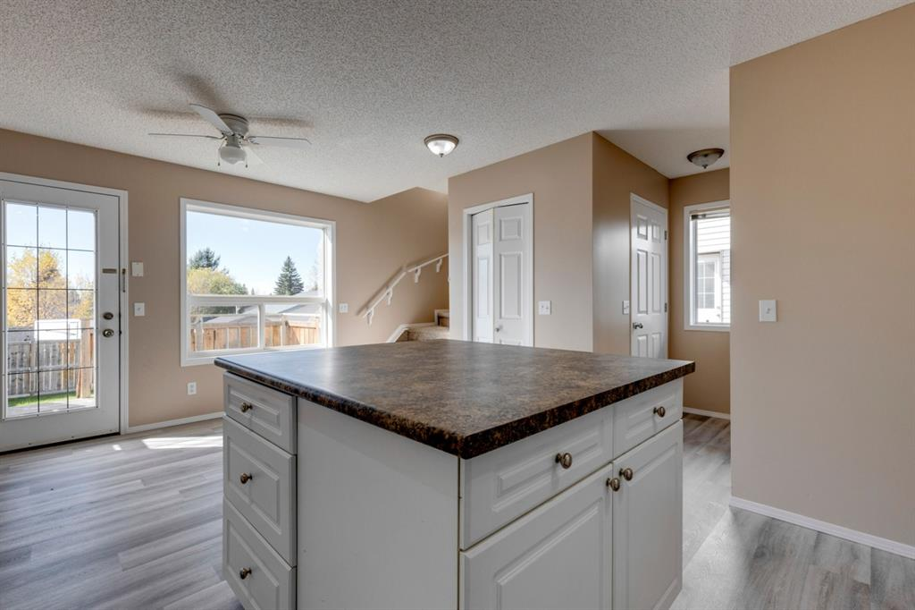 107 Crystal Shores Grove - Crystal Shores Detached for sale, 4 Bedrooms (A1152326) #8