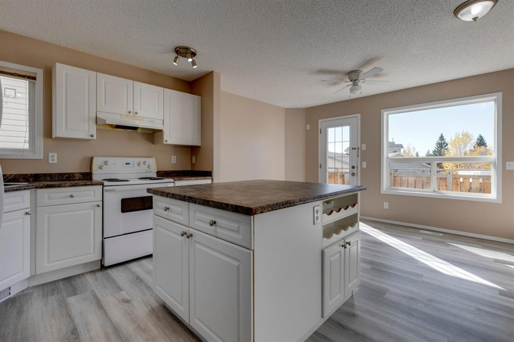 107 Crystal Shores Grove - Crystal Shores Detached for sale, 4 Bedrooms (A1152326) #9