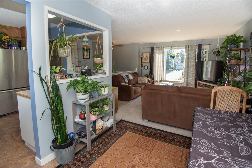 19 Dobler Avenue - Deer Park Village Detached for sale, 4 Bedrooms (A1128130) #8