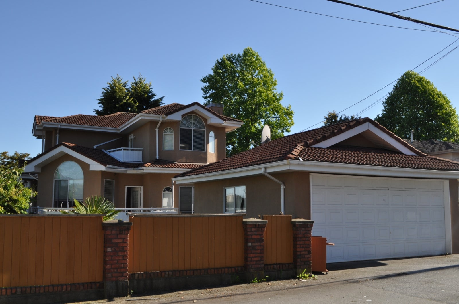 1081 Rosser Avenue , Burnaby BC V5C 6H3 - Willingdon Heights House/Single Family for sale, 5 Bedrooms (FSBO) #2