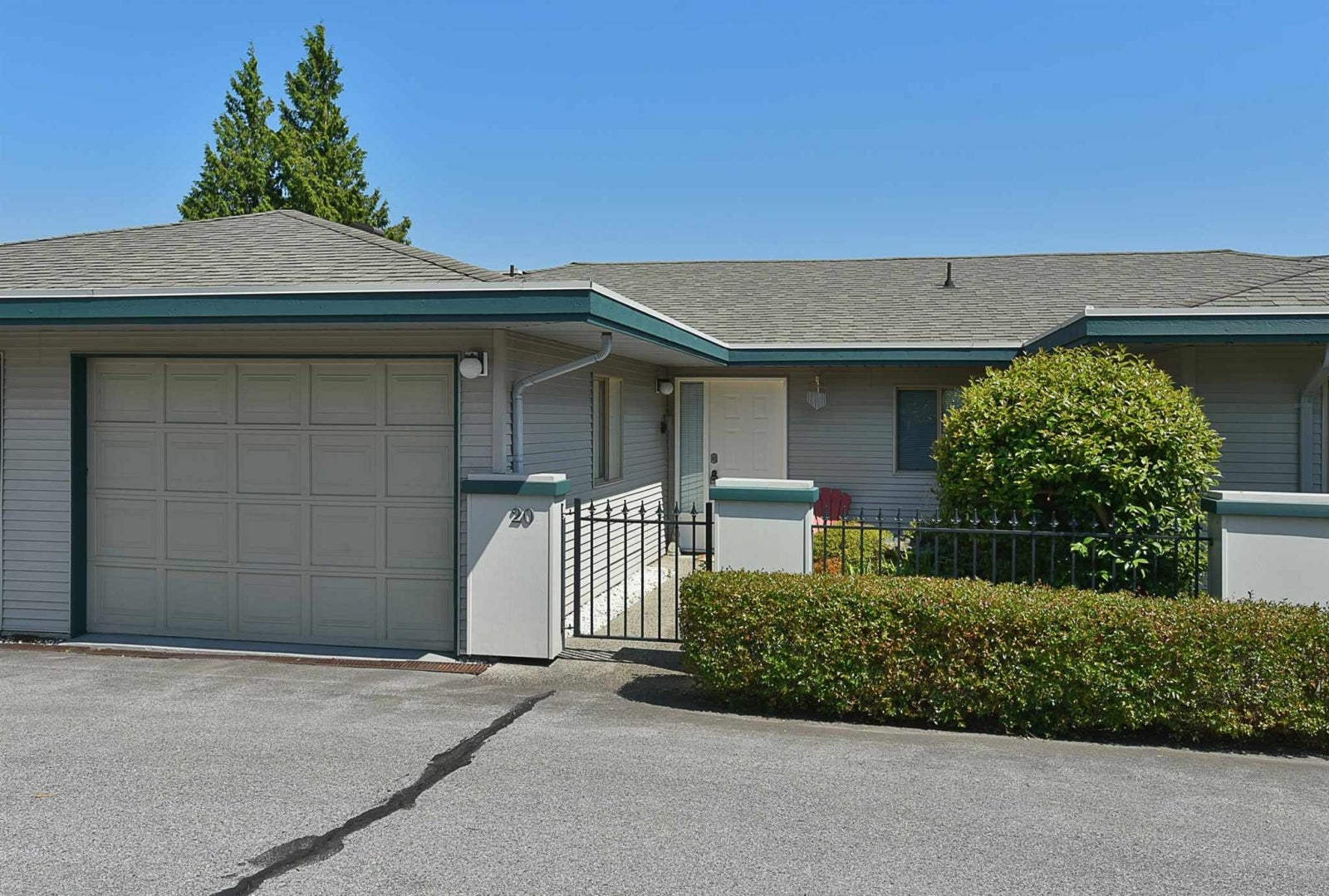 20 544 EAGLECREST DRIVE - Gibsons & Area Townhouse for sale, 1 Bedroom (R2603357)
