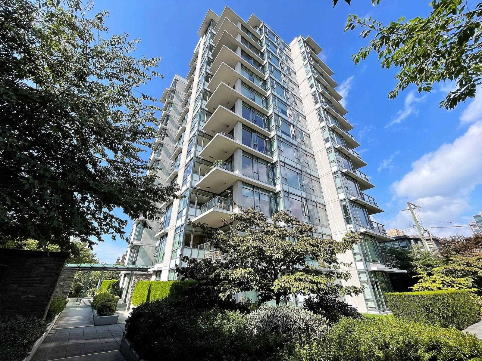 803 1333 W 11TH AVENUE - Fairview VW Apartment/Condo for sale, 2 Bedrooms (R2616288) #1