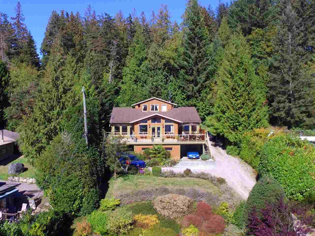 A 6678 SUNSHINE COAST HIGHWAY - Sechelt District House/Single Family for sale, 4 Bedrooms (R2129655)