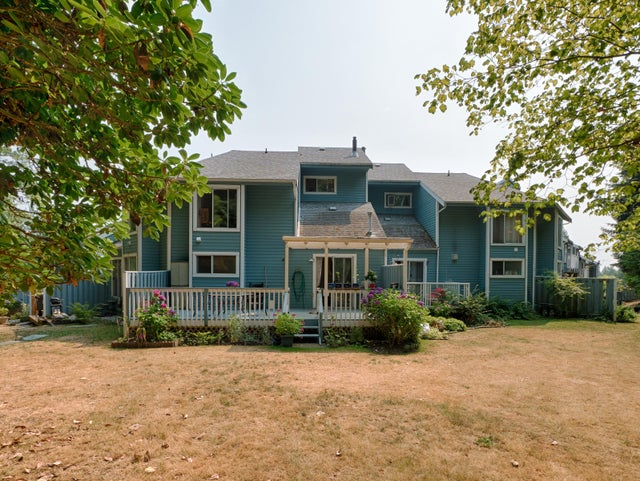 6 822 GIBSONS WAY - Gibsons & Area Townhouse for sale, 2 Bedrooms (R2193453)