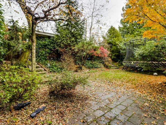 144 E 26 STREET - Upper Lonsdale House/Single Family for sale, 3 Bedrooms (R2017302) #17
