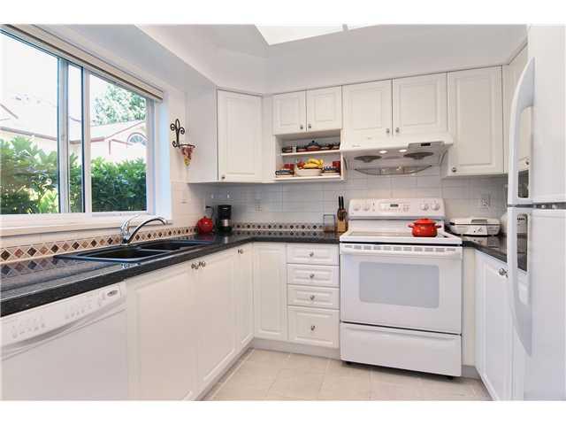 # 11 4238 BOND ST - Central Park BS Townhouse for sale, 3 Bedrooms (V962329) #2