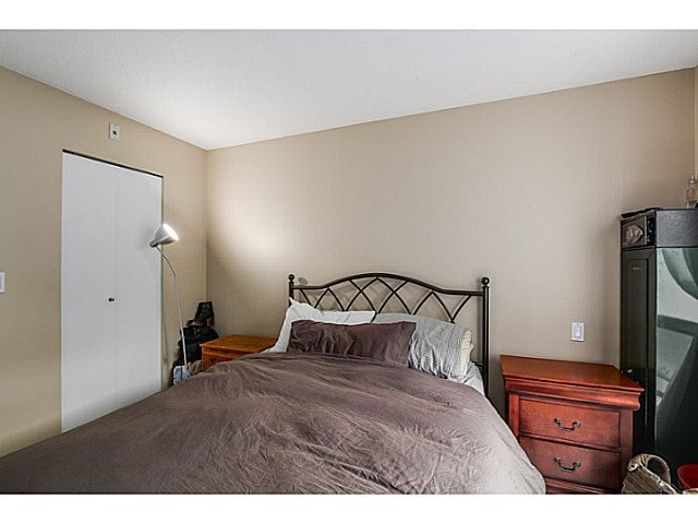 Room for a Queen bed, bedside tables, and a dresser....quite spacious!