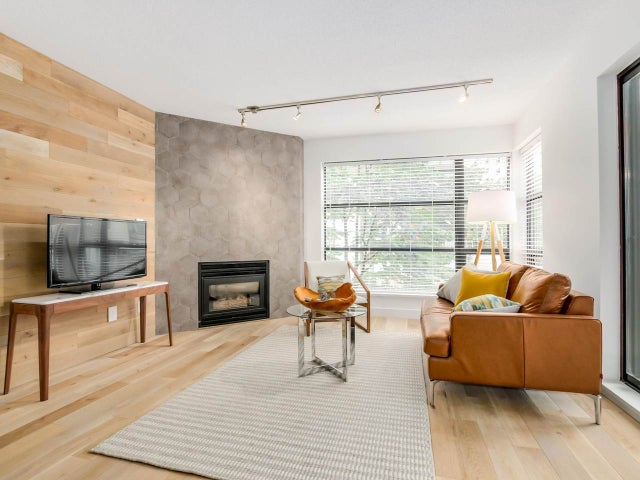 404 124 W 3RD STREET - Lower Lonsdale Apartment/Condo for sale, 2 Bedrooms (R2084084) #2