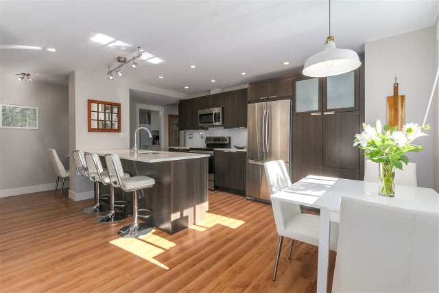 10 308 W 2ND STREET - Lower Lonsdale Apartment/Condo for sale, 2 Bedrooms (R2238729) #1