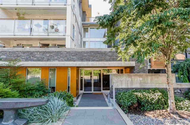 204 221 E 3RD STREET - Lower Lonsdale Apartment/Condo for sale, 2 Bedrooms (R2343332) #1