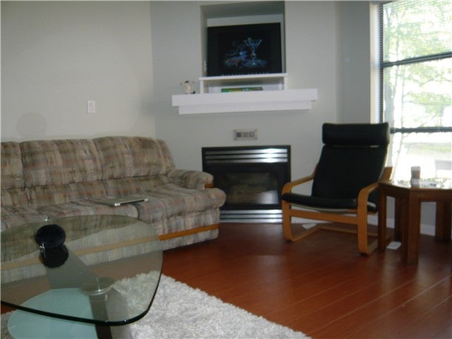 # 304 124 W 3RD ST - Lower Lonsdale Apartment/Condo for sale, 2 Bedrooms (V1010786) #2