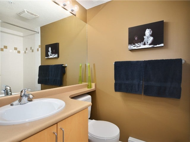 # 307 124 W 3RD ST - Lower Lonsdale Apartment/Condo for sale, 2 Bedrooms (V1018579) #2