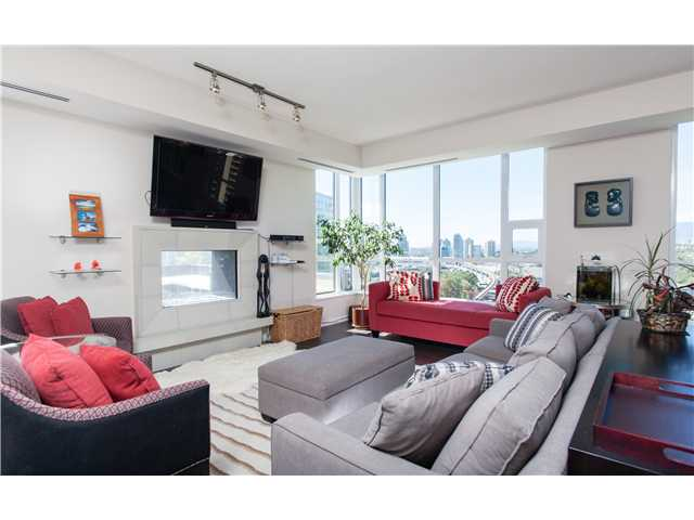 # 2202 2200 DOUGLAS RD - Brentwood Park Apartment/Condo for sale, 2 Bedrooms (V1025402) #1
