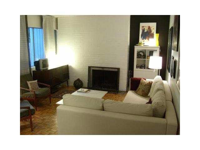 841 WESTVIEW CR - Upper Lonsdale Townhouse for sale, 3 Bedrooms (V1032223) #2